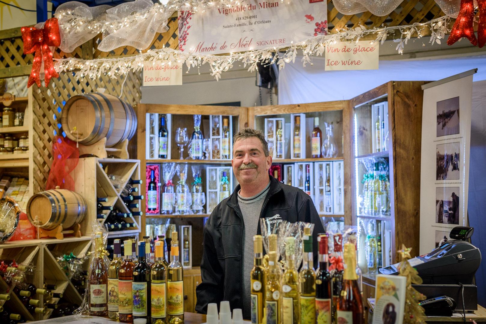 Un vigneron fier de vous faire déguster la gamme de ses produits.